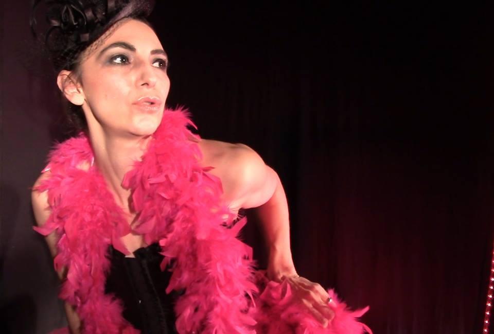 Céline Schmink et son clip burlesque