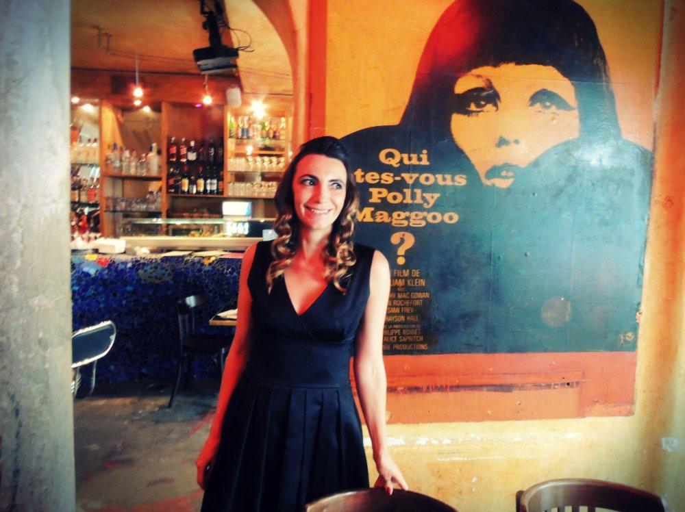 La chanteuse Céline Schmink en concert au mythique Polly Maggoo